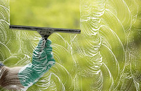 Средство для мытья стёкол: аспекты эффективности