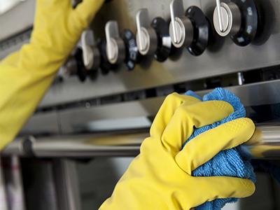 Уборка кухни: специфика процесса и подбор химии
